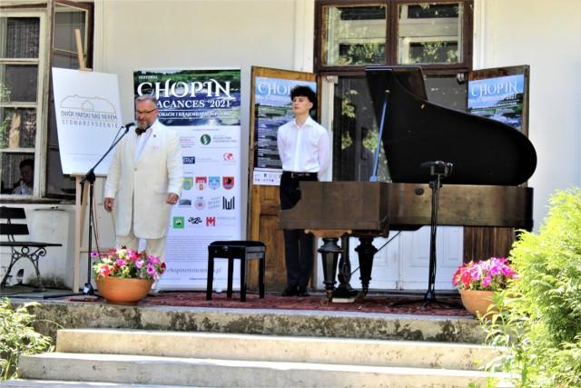 Artyści zagrali na fortepianie z 1888 roku ---> ZDJĘCIA