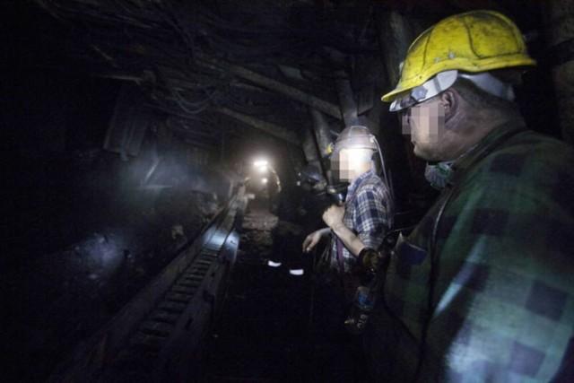 Koronawirus w kopalniach: 12 kopalni, które na trzy tygodnie wstrzymają wydobycie. Lista kopalń.  Zobacz kolejne zdjęcia. Przesuwaj zdjęcia w prawo - naciśnij strzałkę lub przycisk NASTĘPNE