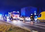 Wypadek w Międzyrzeczu Dolnym. Na śliskiej drodze zderzyły się trzy samochody [ZDJĘCIA]