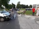 Wypadek motocyklisty w Pankach. Mężczyzna ze złamaną ręką i uszkodzonym barkiem został zabrany do szpitala. Policja bada okoliczności