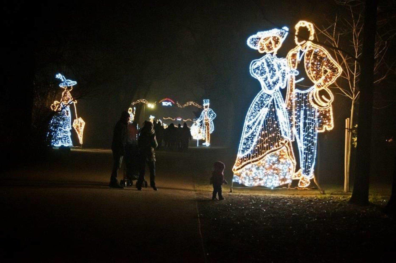 świąteczna Iluminacja W łazienkach Królewskie Ogrody