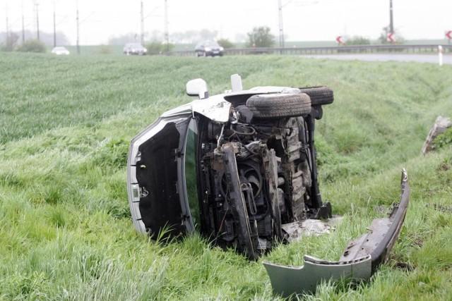 Najpierw dachowanie, potem zaginięcie kierowcy - do tych scen doszło w rejonie Solca Kujawskiego