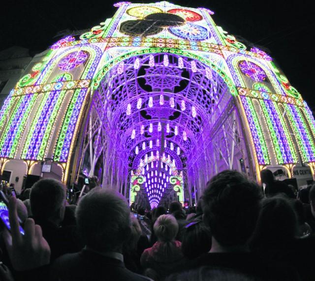 Ulica Szeroka w świetlnej oprawie - absolutny hit festiwalu w 2014 roku
