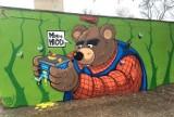 Nowe murale Petiona w Kluczborku. Sowę zastąpił niedźwiadek [ZDJĘCIA]