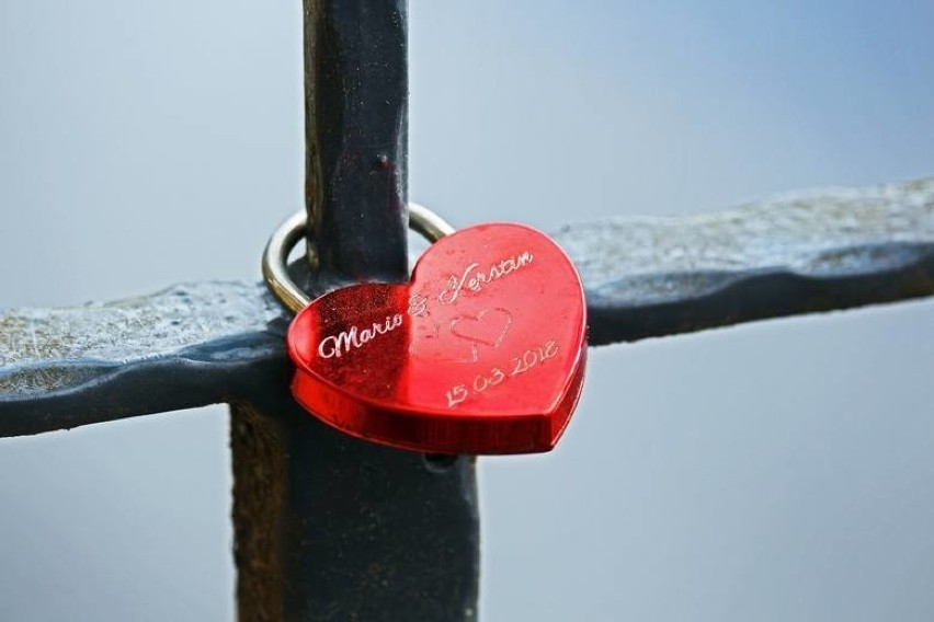 Pierwszych porywów serca, pierwszych miłości nie zapomina...