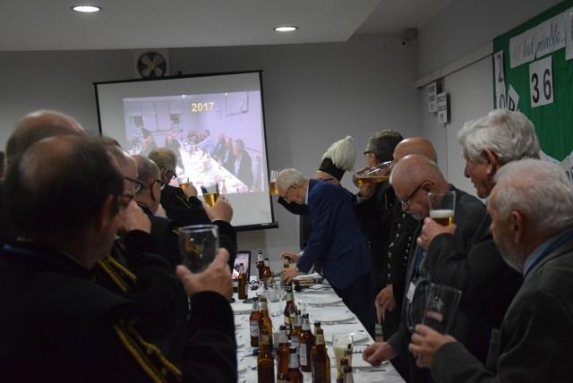 Toast piwny za brać górniczą spełniany przez krotoszyńskich gwarków