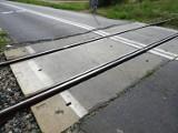 Budowa ścieżki pieszo-rowerowej do Staniewa idzie jak po grudzie. Radni powiatowi: Pilnujemy inwestycji i nie pozwolimy sobie grać na nosie