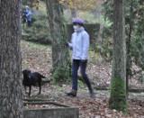 Cmentarze w Leszkowie wybiegiem dla psów? Darujcie sobie! [FELIETON]