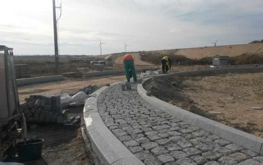 Trwa budowa drogi S-5 z Mieleszyna do Żnina. Na jakim jest...