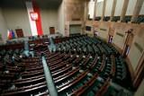 Sondaż: w łódzkich okręgach zyskuje Hołownia kosztem PiS i Koalicji Obywatelskiej. Gdyby wybory odbyły się w lutym, PiS straciłby władzę