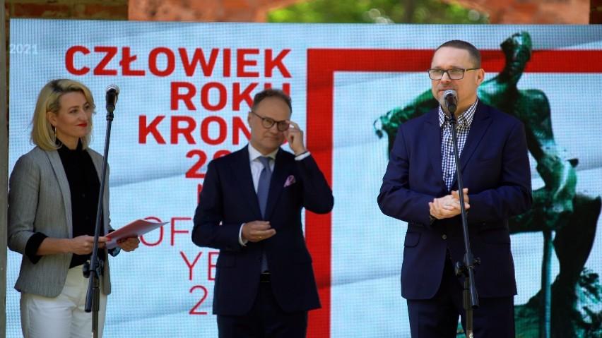Przy mikrofonie Grzegorz Widenka, prezes Oddziału Polska...