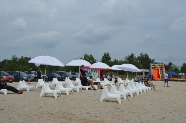 Gryżyce koło Żagania. Miejska, płatna plaża, czynna w godz. 10.00-19.00. Wstęp 5 zł i 2 zł.