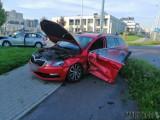 Wypadek w Opolu. Dwie skody zderzyły się na alei Solidarności [ZDJĘCIA]