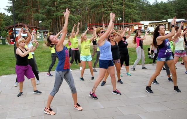 """W OW """"Deczno"""" odbył się III Charytatywny Maraton Zumba Fitness dla Marcelka Pessel"""". Zebrane pieniądze przeznaczone zostaną na leczenie dziewięcioletniego chłopca z Sulnowa"""