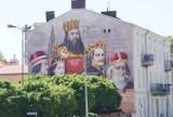 """""""Królewski mural"""" w Kaliszu zdobi ścianę kamienicy przy ulicy Stawiszyńskiej. ZDJĘCIA"""