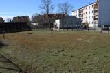 Dawny kort przy ulicy Myśliwskiej w Szczecinku. Na co można go przeznaczyć? [zdjęcia]