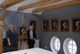 Na warsztatach malarstwa w Straszynie powstały niezwykłe obrazy - Dziewczyna z perłą Vermeera |ZDJĘCIA