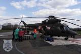 Szpital Wojewódzki w Suwałkach. Wojskowy śmigłowiec ratunkowy przyleciał po zakażonego koronawirusem