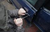 Piotrków: Upozorowali kradzież auta, żeby wyłudzić 50 tysięcy złotych odszkodowania