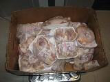Koszerne mięso w walizce? Mieszkaniec Izraela przyłapany w Pyrzowicach z 16 kg drobiu!