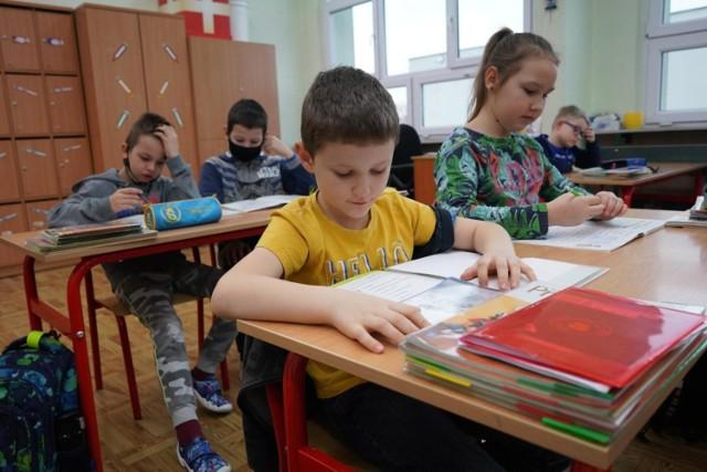 Ministerstwo Edukacji i Nauki wprowadza zmiany w szkołach od września.   Sprawdź, co się zmieni w nadchodzącym roku szkolnym --->>>   Strefa pole dance