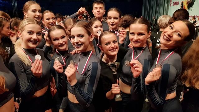 Tancerze ze Skierniewic zdobyli podczas mistrzostw liczne nagrody i wyróżnienia.