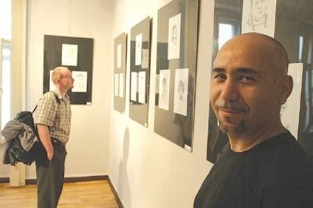 Tigran Vardikyan zaprasza na kolejną wystawę karykatur. arc