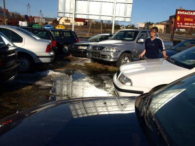 Kierowcy, którzy zapłacili 500 zł za kartę pojazdu, mogą starać się o zwrot 425 złotych