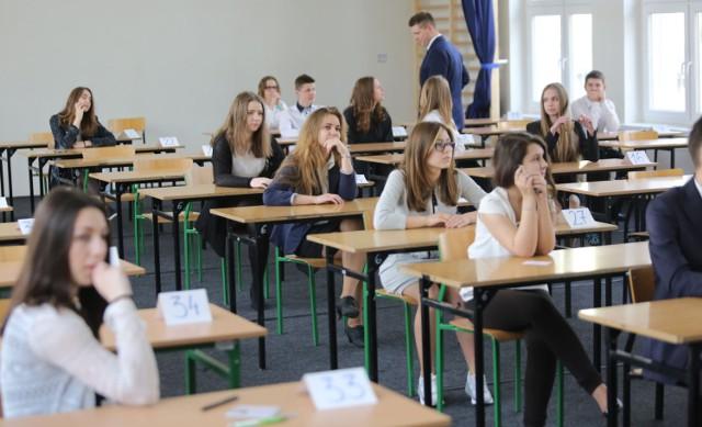 Próbny egzamin gimnazjalny 2016/2017 Operon. Język ANGIELSKI I Niemiecki [ARKUSZE, ODPOWIEDZI]