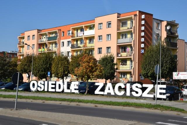 Nowy napis na osiedlu Zacisze w Zielonej Górze (podobny jak ten na osiedlu Przyjaźni).