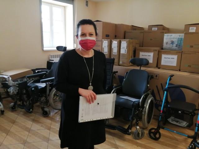 Wypożyczalnia sprzętu rehabilitacyjnego w Piotrkowie otwarta. Za darmo wypożyczysz łóżko rehabilitacyjne, wózek inwalidzki, materac przeciwodleżynowy