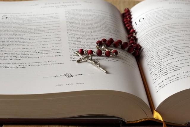 Rosną wydatki na pensje dla nauczycieli religii w Warszawie
