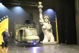 """Musical """"Miss Saigon"""". Na scenie Teatru Muzycznego w Łodzi wyląduje śmigłowiec"""