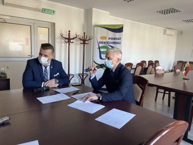 Starosta oświęcimski Marcin Niedziela wyraził nadzieję, że dodatkowe punkty masowych szczepień powstaną w największych gminach powiatu oświęcimskiego