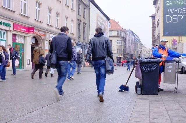 Chodniki w centrum Poznania mają lśnić jeszcze przed Euro.