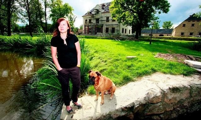 - Wody termalne chcielibyśmy wykorzystać do ogrzewania pałacu i kąpieli w SPA - mówi Jolanta Tadajewska