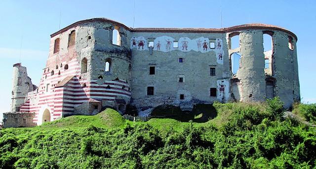Malownicze ruiny w Janowcu nad Wisłą, ze wzgórza widać Kazimierz Dolny