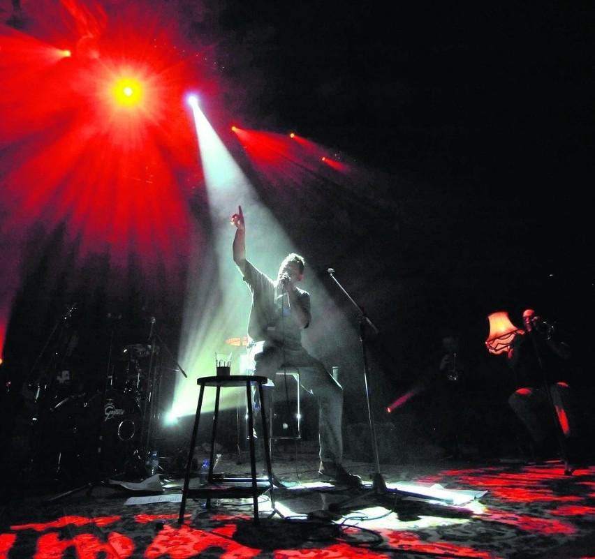 """Efektowna gra świateł dorównała tej znanej z DVD """"Unplugged"""". Gorsza była jedynie akustyka"""
