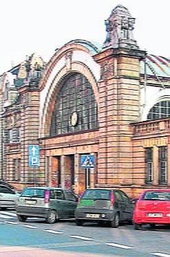 Gmach dawnego dworca w Katowicach