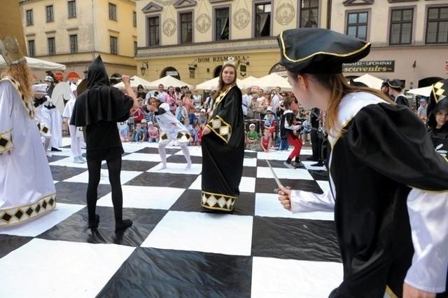 Żywe szachy na inaugurację Europejskiego Festiwalu Szachowego Lublin 2012