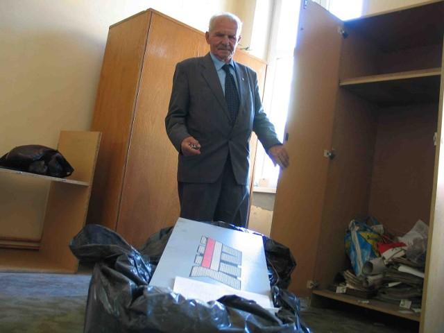 Włamano się do naszej szafy, a dokumenty wrzucono do worków - mówi Stanisław Suchanek