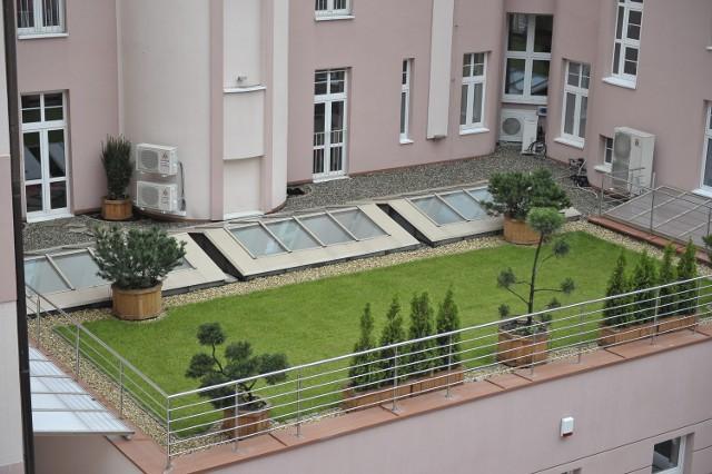 Pacjenci szpitala Barlickiego mogą spacerować po dachu