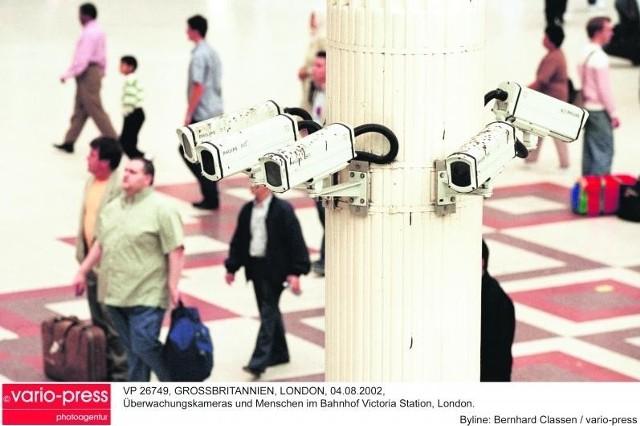 Ponad 4 mln brytyjskich kamer ulicznych ma być teraz wyposażonych także w mikrofony