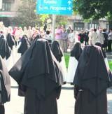 Pustoszeją klasztory. Siostry nie wytrzymują rygoru w zakonach