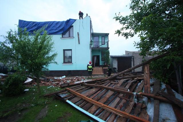 Radni sejmiku województwa łódzkiego dyskutowali w piątek o pomocy dla poszkodowanych przez burze i nawałnice.