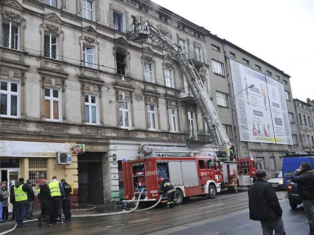 Pożar kamienicy przy ul. Przybyszewskiego 45