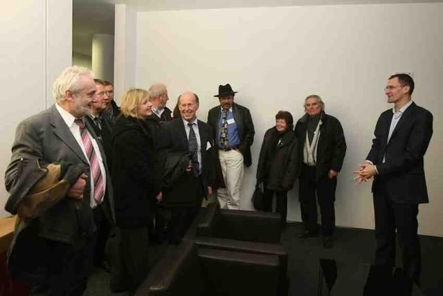 Delegację przedsiębiorców podczas wizyty w Milowicach witał prezes PDZ Zenon Nowak