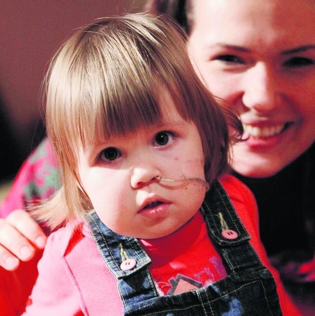 Mamie Ninki kończy się zapas preparatów żywieniowych, dzięki którym dziewczynka - dializowana i oczekująca na przeszczep nerki - żyje