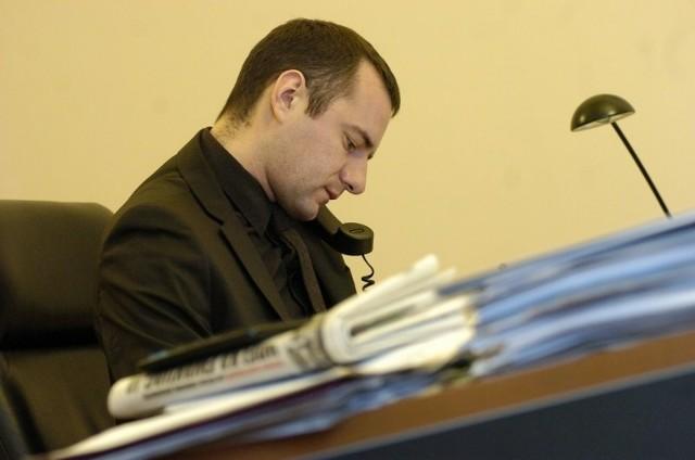 Jarosław Pucek twierdzi, że zaległości w opłatach za lokale użytkowe w niektórych przypadkach wynosi nawet około miliona złotych.
