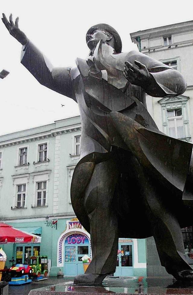 Wymyty pomnik wzbudził sporą sensację w mieście